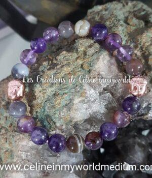Bracelet en Améthyste foncée, Améthyste avec inclusions de Goethite, Agate à lamelles et perles Bouddha en Hématite plaquée couleur or rose