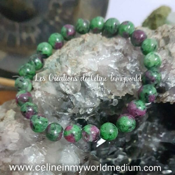 Bracelet pour stimuler la fécondité en Zoïsite avec Rubis